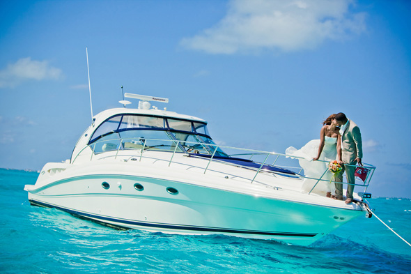 cayman luxury charters Stingray City, Grand Cayman Trash the Dress