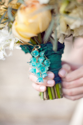 blue bridal bouquet wrap1 Destination Photo Shoot: Vintage Wedding