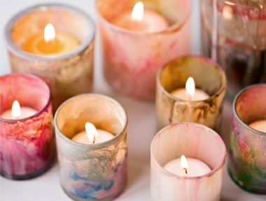 colored wedding candles1 Watercolor Wedding Ideas