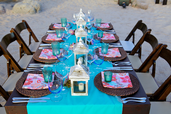 Beach party in cabo san lucas mexico for Decoration de table bleu turquoise