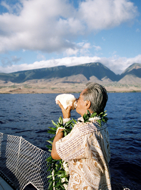 hawaii destination wedding1 Maui, Hawaii Destination Wedding on a Boat