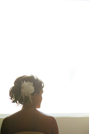bridal hair feather accessory Destiation Wedding in Puerto Morelos, Mexico