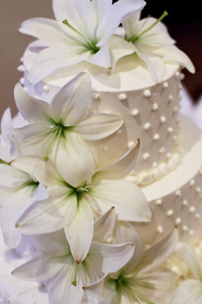 lily wedding cakes