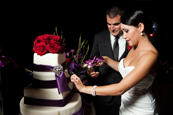 wedding cakes purple and red
