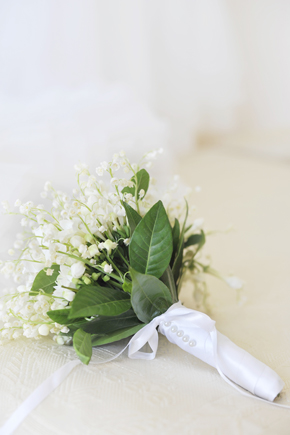 white bridal bouquet Formal Destination Wedding in Italy
