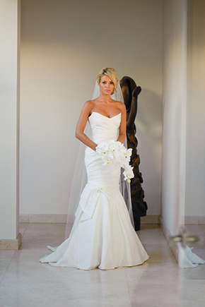 destination wedding dress1 Cabo San Lucas Villa Destination Wedding