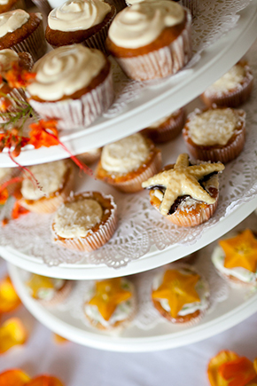shell cupcakes Costa Rica Destination Wedding by A Brit and A Blonde