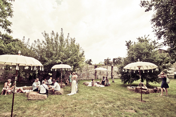wedding picnic A Vintage Inspired Destination Wedding in Italy
