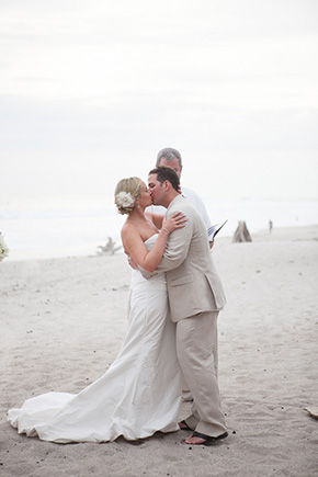 beach wedding costa rica1 Chevron Inspired Beach Wedding in Costa Rica