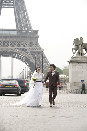 france elopement An Intimate Elopement in Paris, France