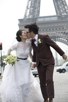france elopements An Intimate Elopement in Paris, France
