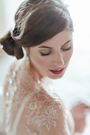 bridal makeup florence Vintage Wedding Details in Tuscany