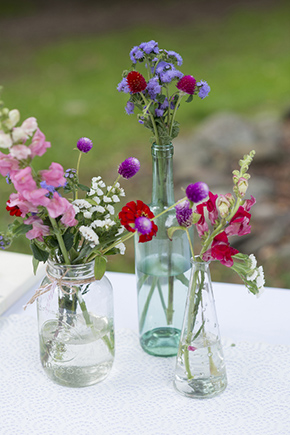 vintage wedding flowers1 A Rustic Outdoor I Do in High Falls, New York