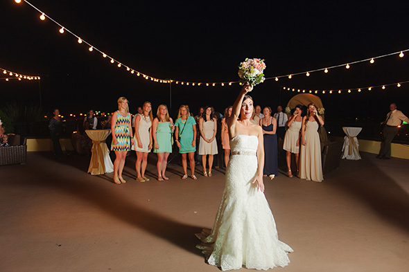 bouquet toss A Burlap Inspired Destination Wedding in Florida