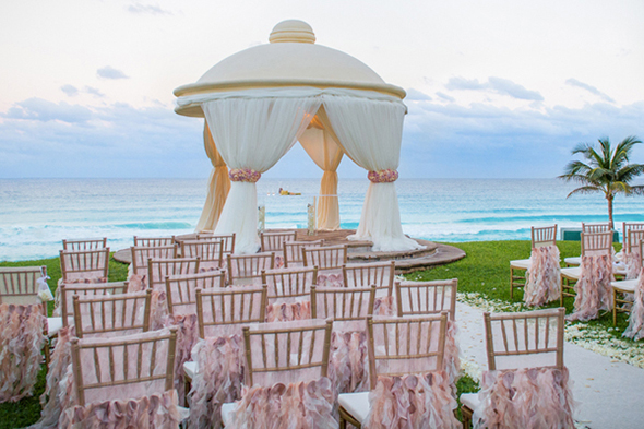 The destination wedding blog jet fete by bridal bar for Best caribbean destination weddings