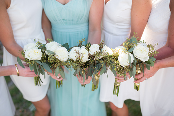 bridesmaid bouquets white