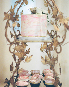 rustic wedding cakes pink
