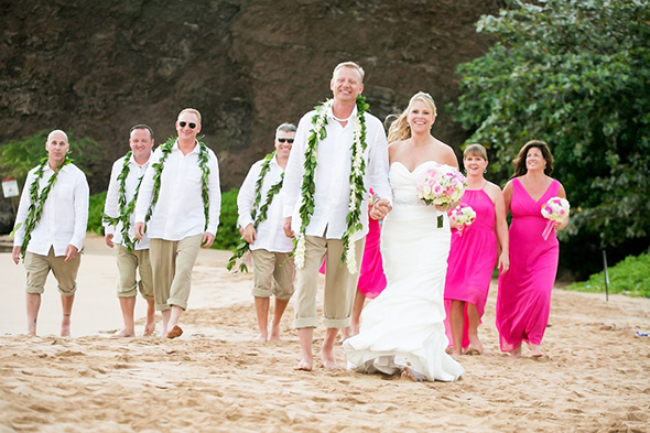 destination-wedding-bridal-party