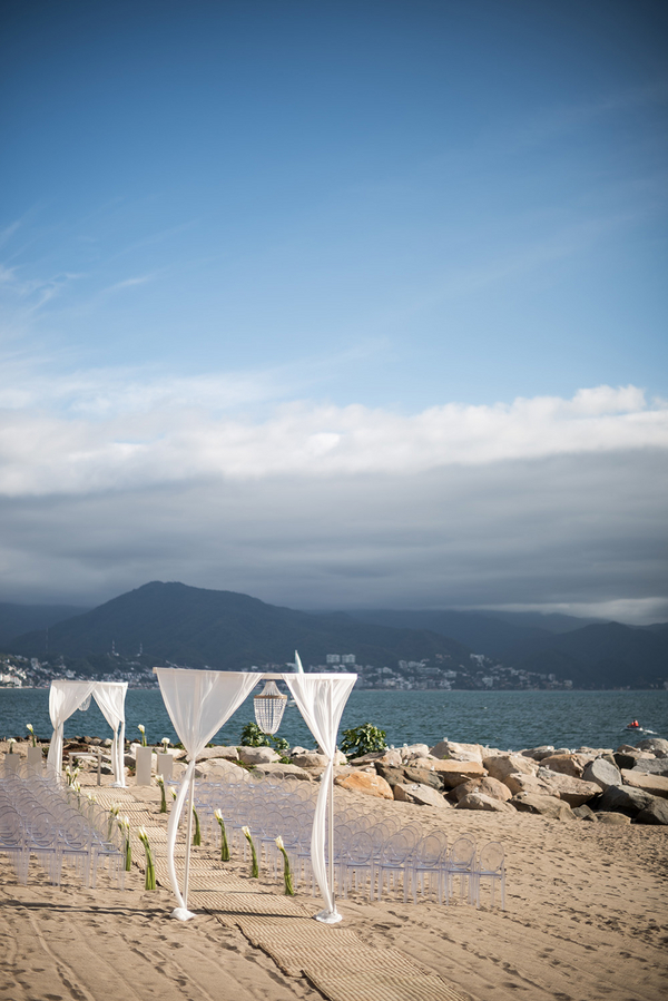 beach-wedding-puetro-vallarta