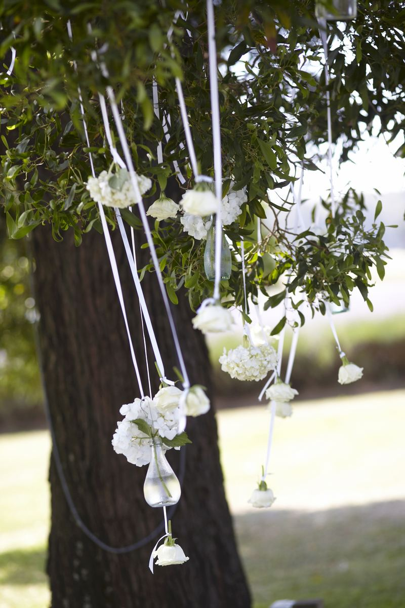 hanging-wedding-flowers