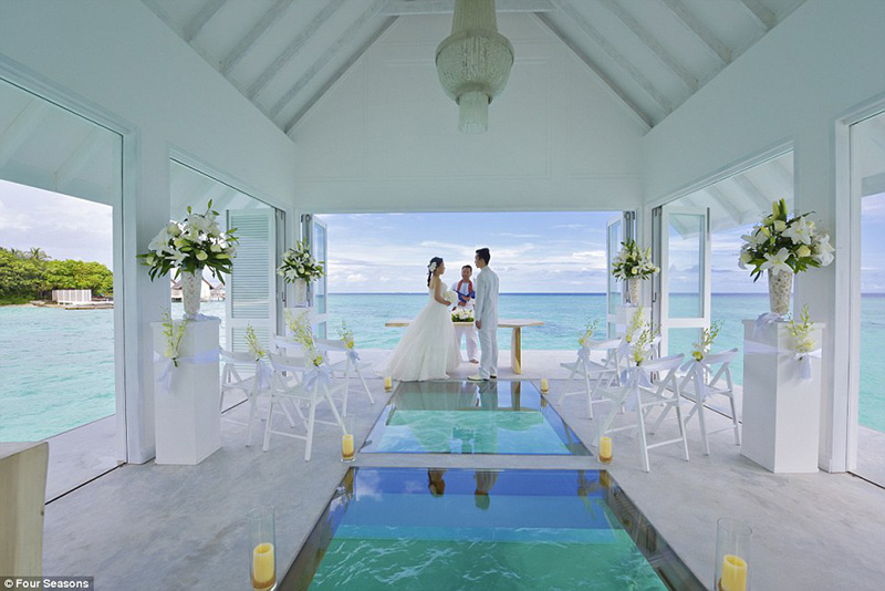 maldives-wedding-chapel