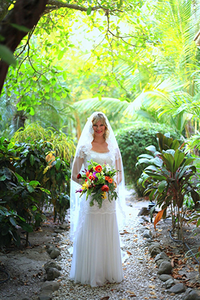 tropical-wedding-flowers