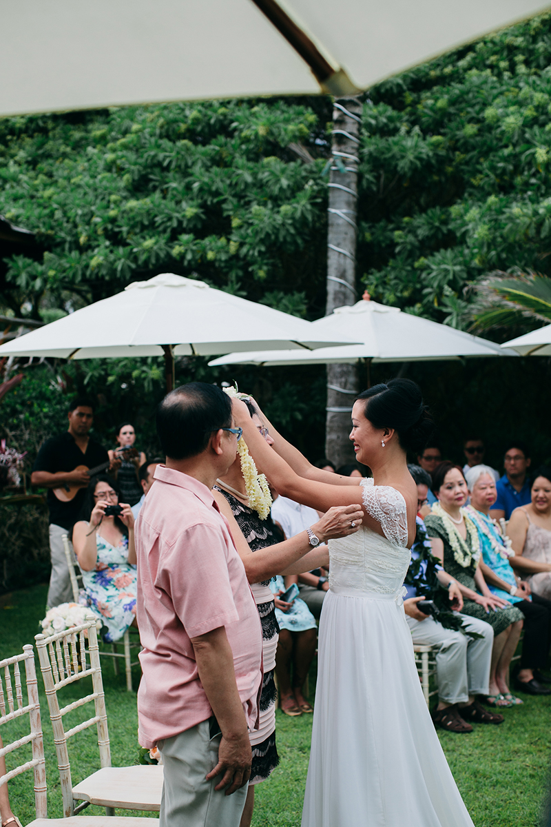 hawaii-wedding-traditions