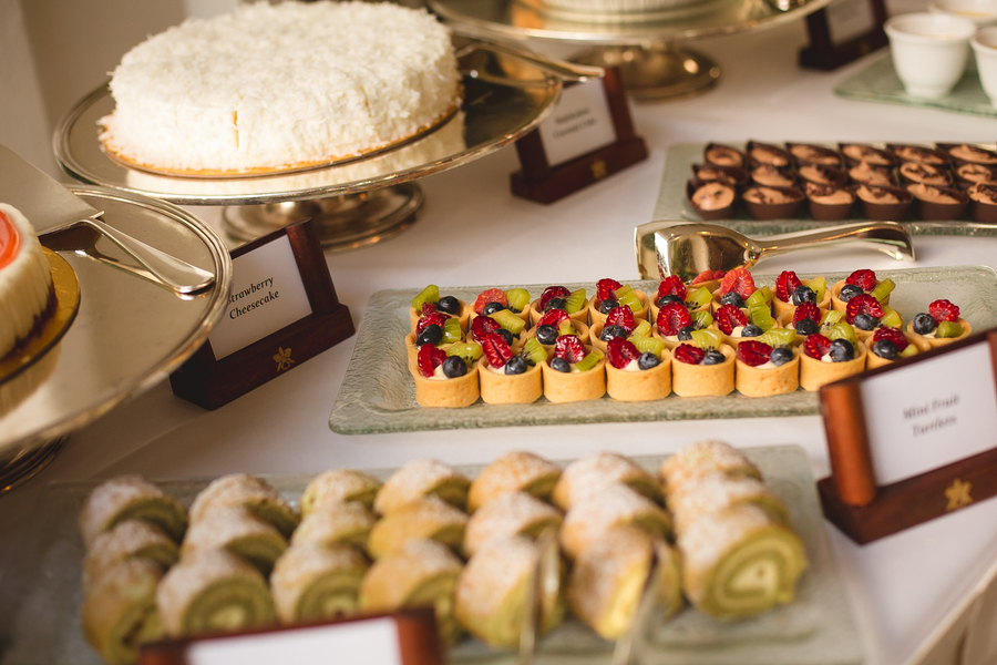 wedding-dessert-bar