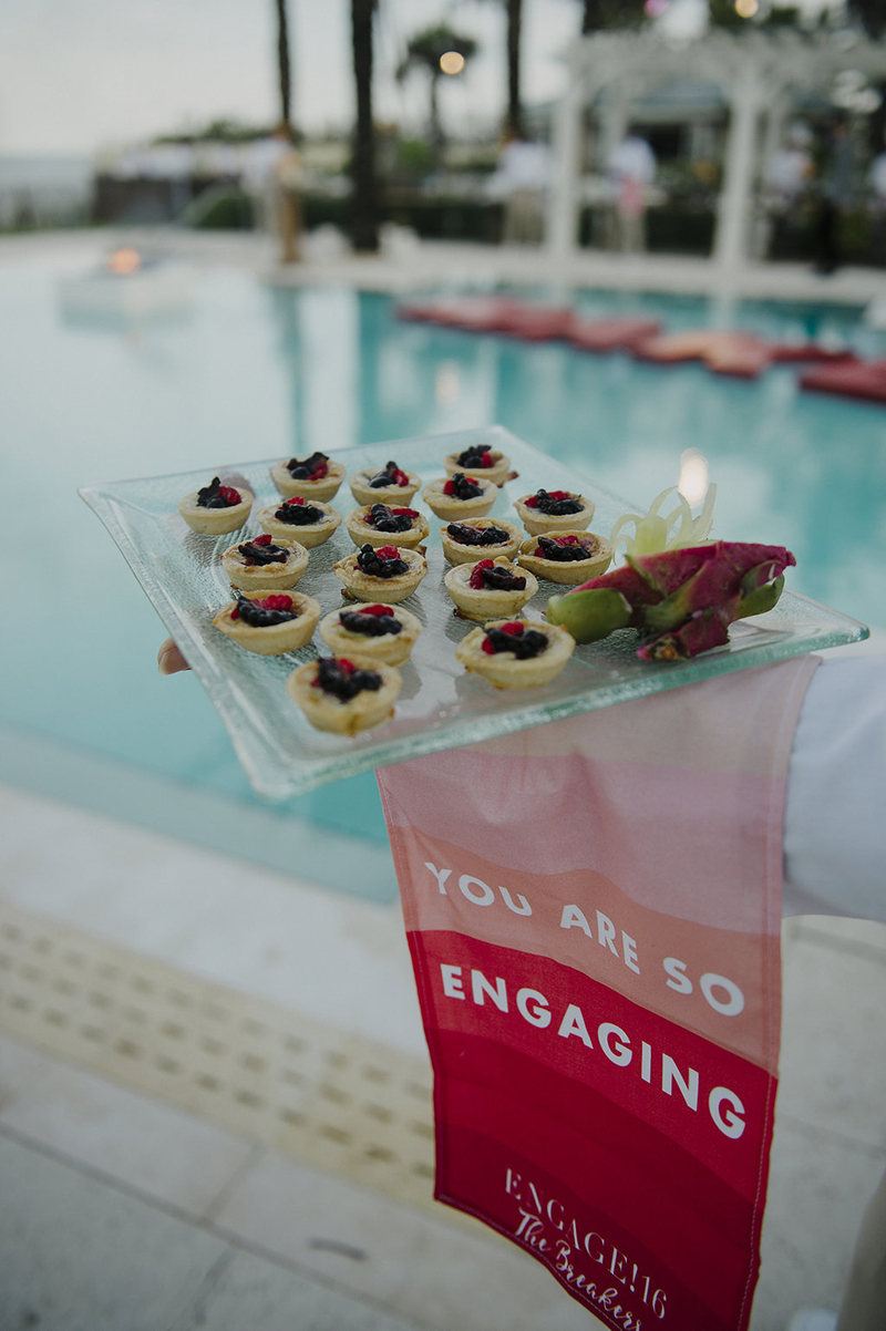 poolside-wedding