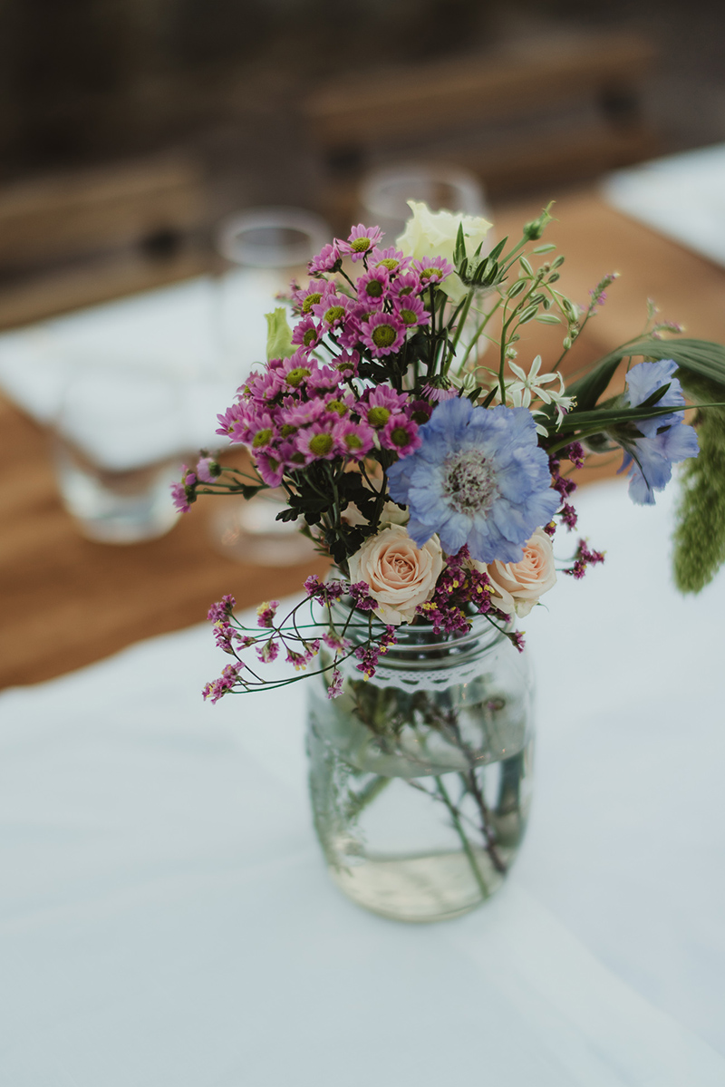 rustic-wedding-flowers