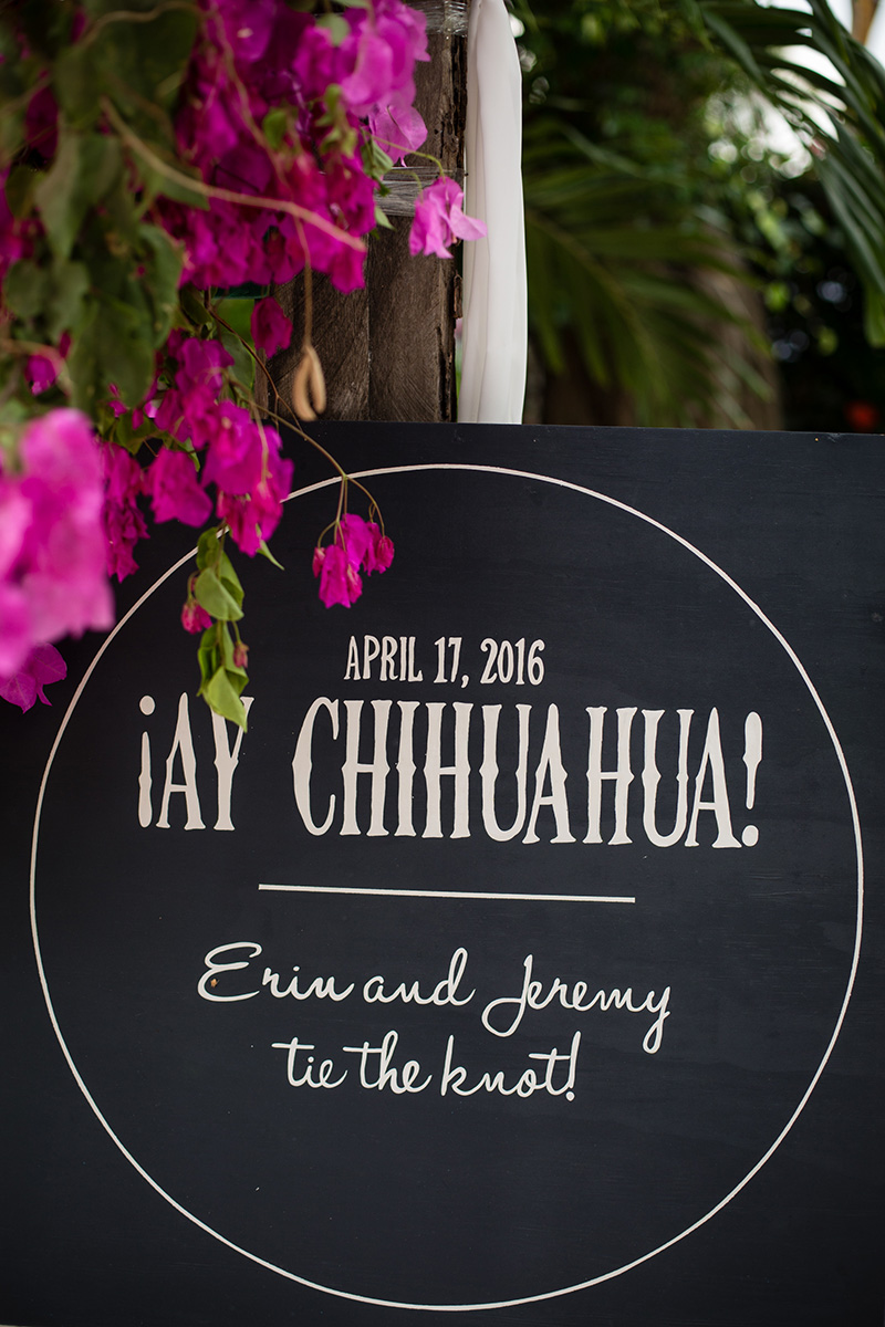 mexico-destination-wedding-signs