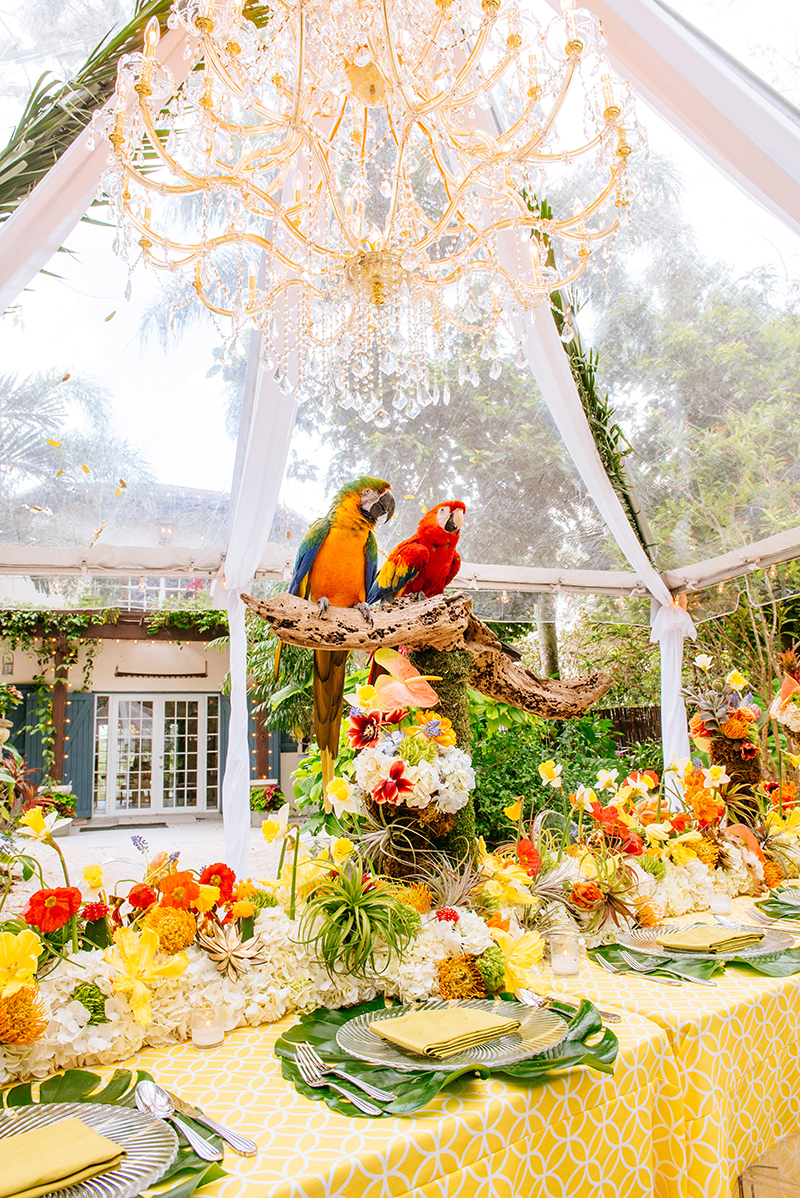tropical wedding table