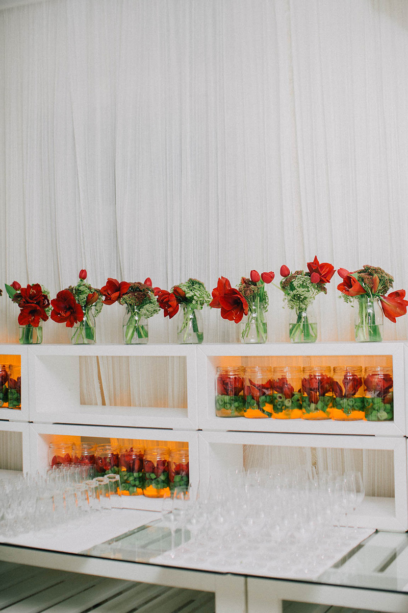 red fall weddings