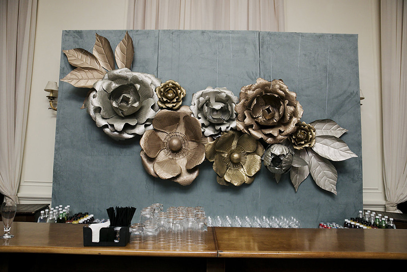 unique-wedding-bar-decor