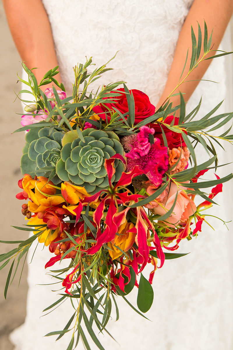 tropical-bridal-bouquet