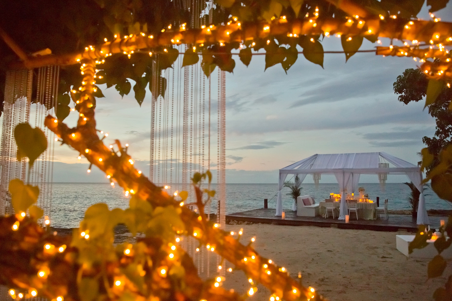oceanfront jamaica wedding