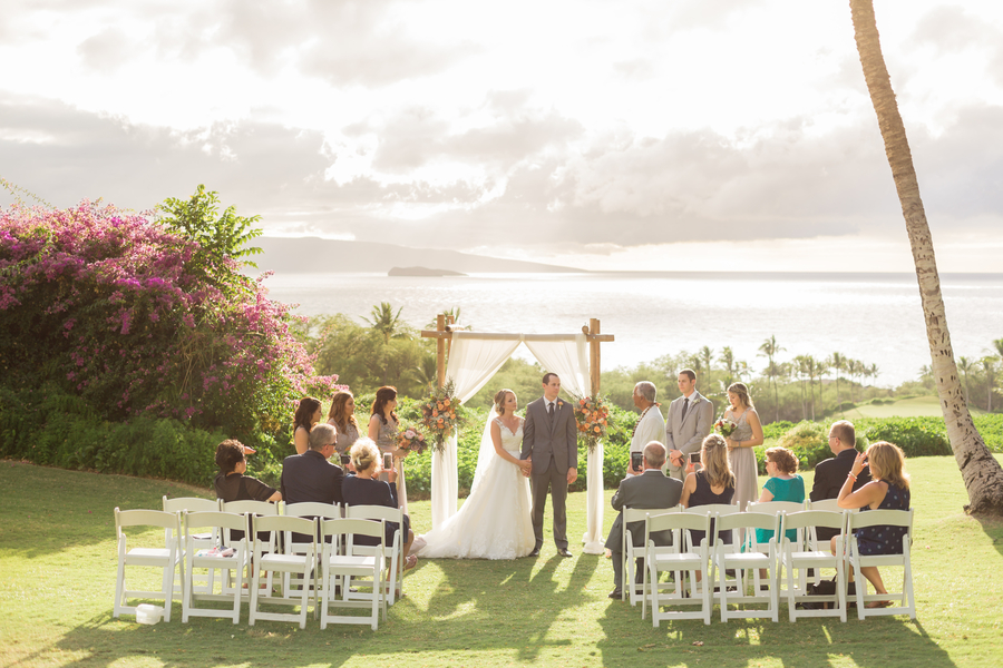 beach wedding location maui