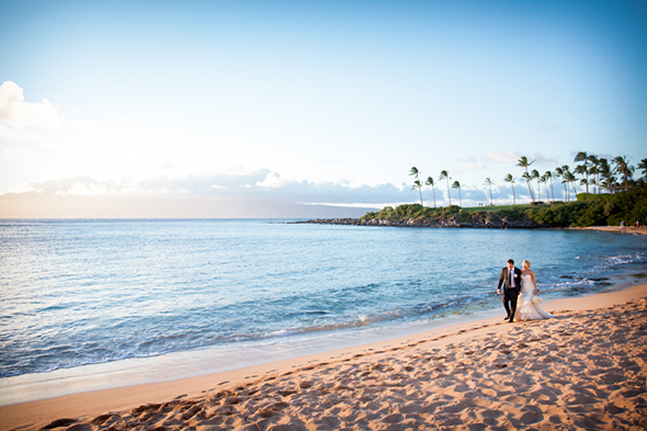 beach wedding1 An Intimate Destination Wedding in Maui, Hawaii