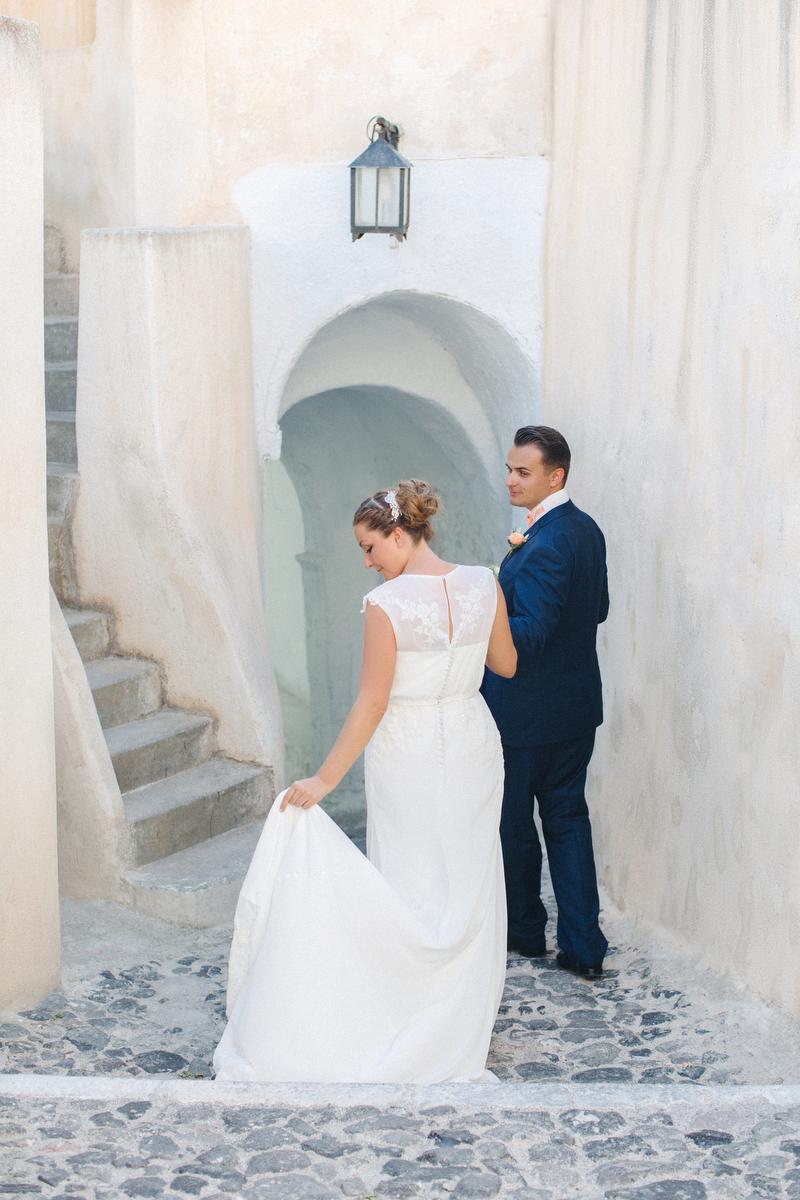 Stunning Intimate Destination Wedding in Santorini, Greece ...