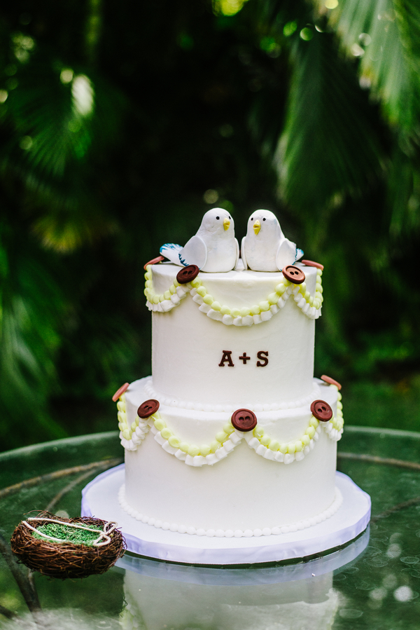 intimate wedding cakes intimate seaside estate wedding in honolulu the 16469