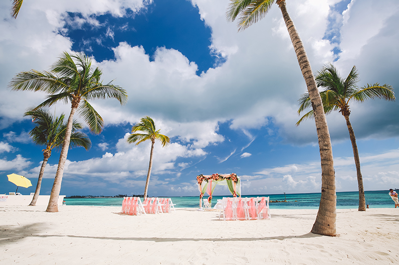 Today S Beautifully Colorful Indian Wedding Comes To Us From Nau In The Bahamas Where Por Planner Marva Munroe Of Chic Weddings